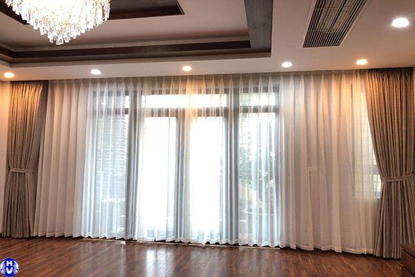 Mẫu rèm cửa sổ đẹp Hải Vân thiết kế cho thị trường Cầu Giấy
