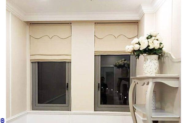 Mẫu rèm roman lắp cửa sổ nhỏ phòng ngủ nhà chị Hồng khu đô thị linh đàm