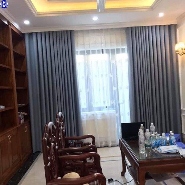 Mẫu rèm vải 2 lớp màu xanh nhạt giá rẻ cho phòng khách nhà chị lan ở nam từ liêm