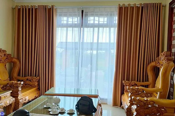 Mẫu rèm vải giá rẻ lắp đặt phòng khách nhà phố tại thanh xuân hà nội