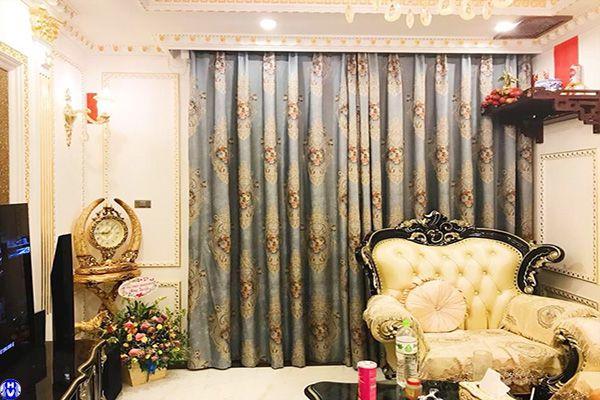 Mẫu rèm vải hoa văn thêu cao cấp chắn nắng phòng khách