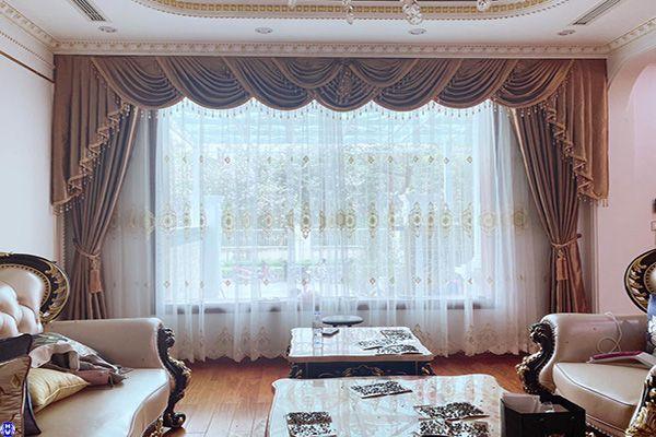 Một trong những mẫu rèm cửa đẹp nhất hiện nay may đo bởi Hài Vân