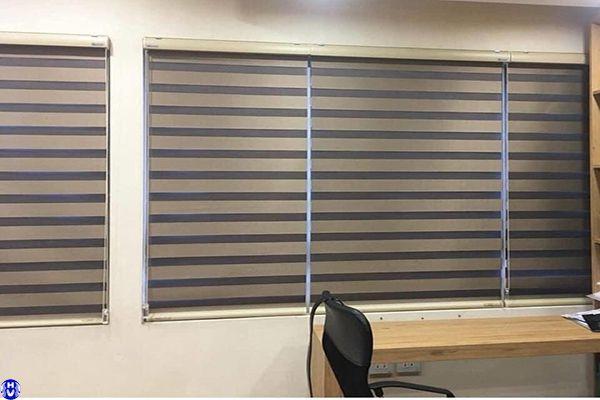 Rèm cầu vồng rẻ đẹp lắp cửa sổ văn phòng tại Hà Nội