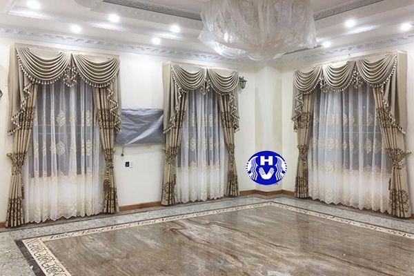 Rèm cửa đẹp sang trọng vải gấm thi công nhà biệt thự