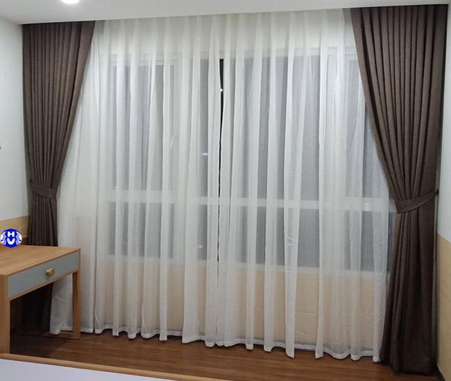 Rèm cửa gam màu trầm phù hợp không gian phòng ngủ