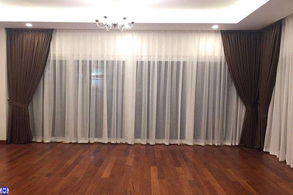 Rèm cửa phòng ngủ màu nâu sậm phù hợp người bản mệnh Thổ