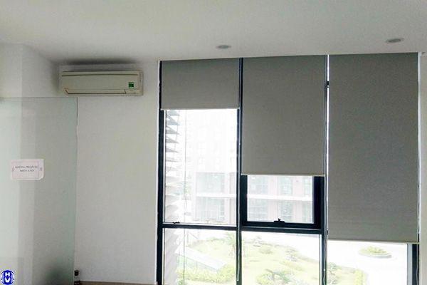 Thi công rèm cửa sổ kính cuốn nhựa văn phòng hồng quang hoàng mai