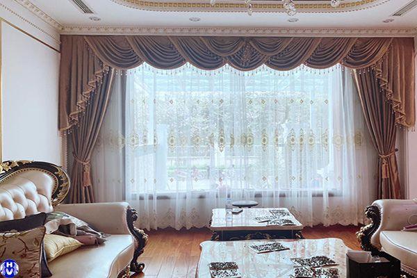 Rèm cửa sổ vải thiết kế theo nội thất tân cổ điển khách hàng tại long biên