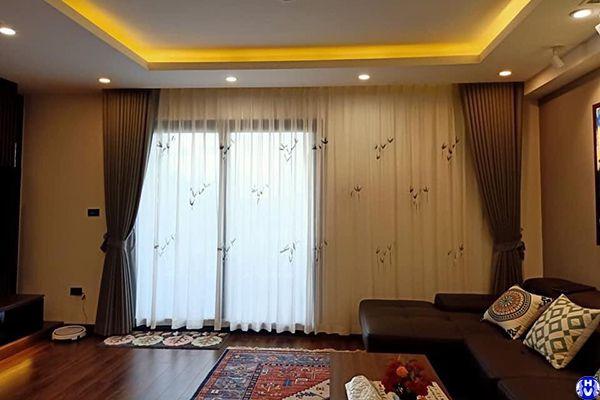 Rèm cửa vải voan cao cấp lớp trong trang trí phòng khách chung cư vinhome cầu giấy