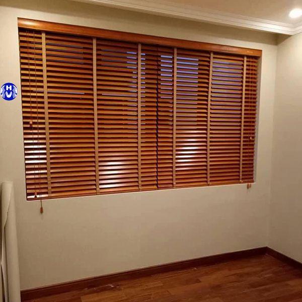Rèm gỗ cửa sổ chắn tia uv lắp đặt tại cầu giấy