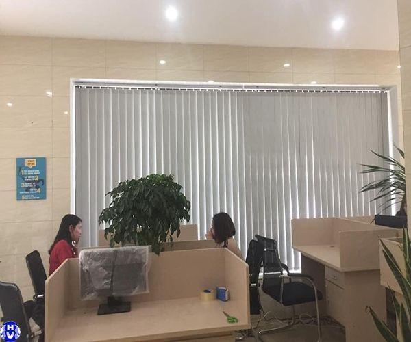 Rèm lá dọc cao cấp lắp trụ sở làm việc tại trung kính cầu giấy