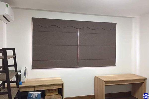 Rèm roman cửa sổ phòng diện tích nhỏ tại nguyên hồng đống đa