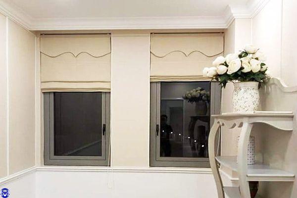 Rèm roman treo cửa sổ căn hộ diện tích nhỏ trên đường đình xuyên gia lâm