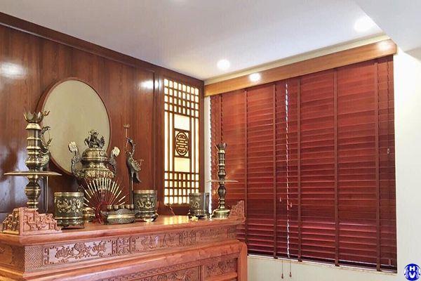 Lắp rèm sáo gỗ giá rẻ phòng thờ tại phúc lợi long biên