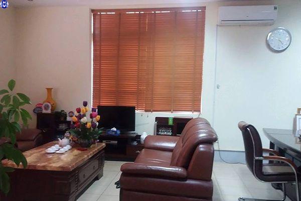 Lắp rèm sáo gỗ tự nhiên cho văn phòng cơ quan tại đường bưởi ba đình