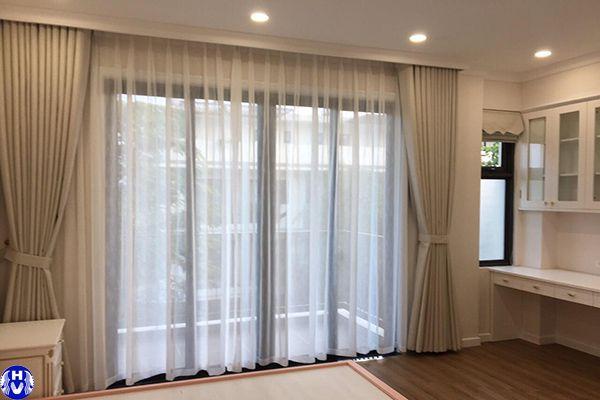 Rèm vải cao cấp màu ghi sáng phòng ngủ diện tích nhỏ