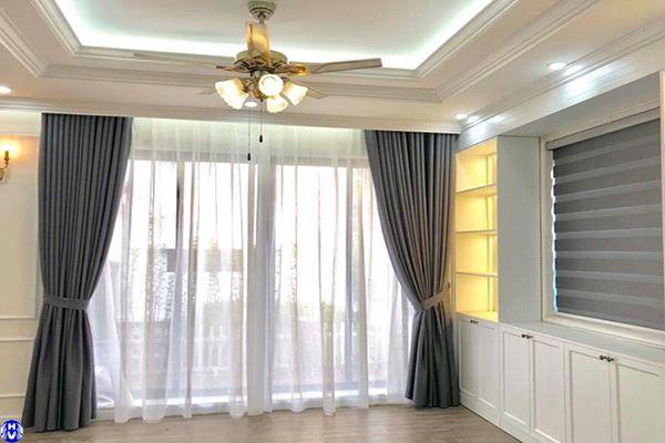 Rèm vải cửa sổ 2 lớp thi công nhà biệt thự ở võ thị sáu hai bà trưng