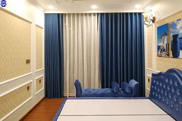 Lắp đặt rèm vải gấm cho biệt thự tại cống vị ba đình