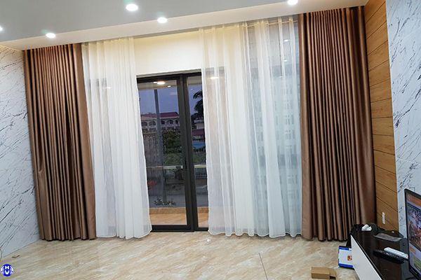 Rèm vải nhập khẩu tự động lắp nhà riêng tại cổ linh long biên