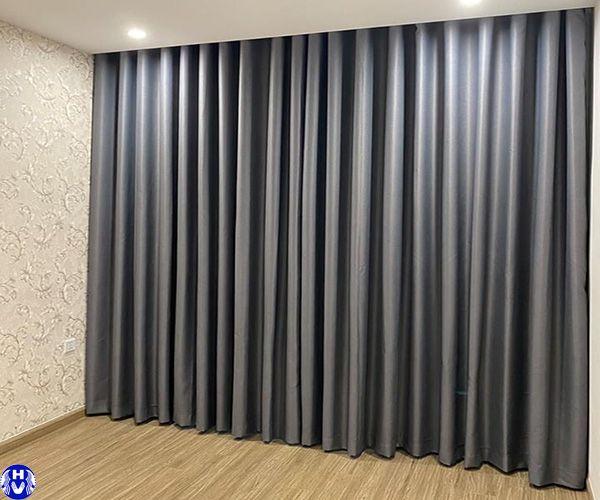 Rèm vải polyester màu xám cửa sổ thi công nghiêm xuân yêm