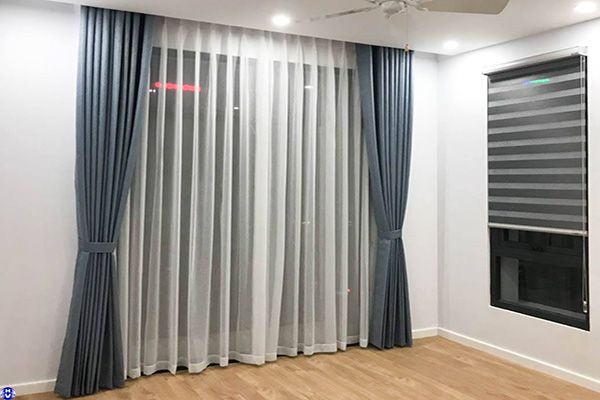 Rèm vải treo cửa sổ phòng ngủ một màu tại hội xá long biên