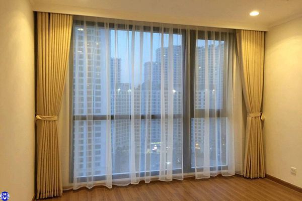 Rèm vải tự động cao cấp lắp đặt phòng khách ở đường chiến thắng thanh trì