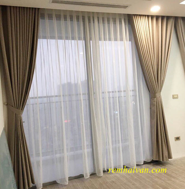 mẫu rèm cửa giá rẻ thiết kế trơn một màu