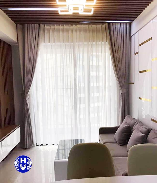 mẫu rèm cửa sáng màu cho phòng khách chung cư tại Hoàng Mai