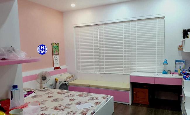 Mẫu thiết kế rèm cửa sổ giúp tích kiệm không gian cho căn phòng