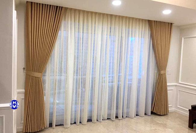 Một mẫu rèm cửa sổ hai lớp được các chủ đầu tư long biên lựa chọn nhiều