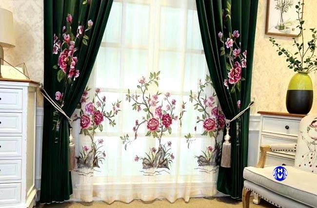 Một trong những thiết kế rèm cửa sổ đẹp tại Hoàn Kiếm bởi KTS Hải Vân