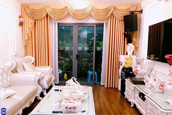 rèm vải màu vàng cửa sổ lớn đường hồng hà ba đình