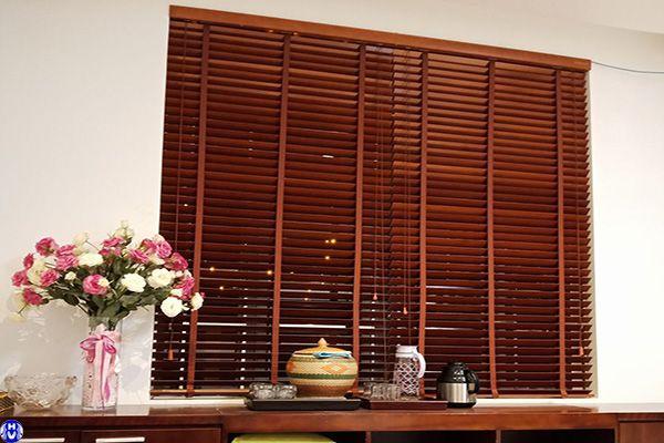 Rèm sáo gỗ treo cửa sổ giá rẻ gia công tại Hà Nội