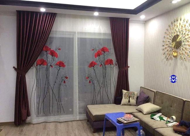 Mẫu rèm cửa đẹp hai lớp với hoa văn điểm nhấn lớp trong đầy tinh tế