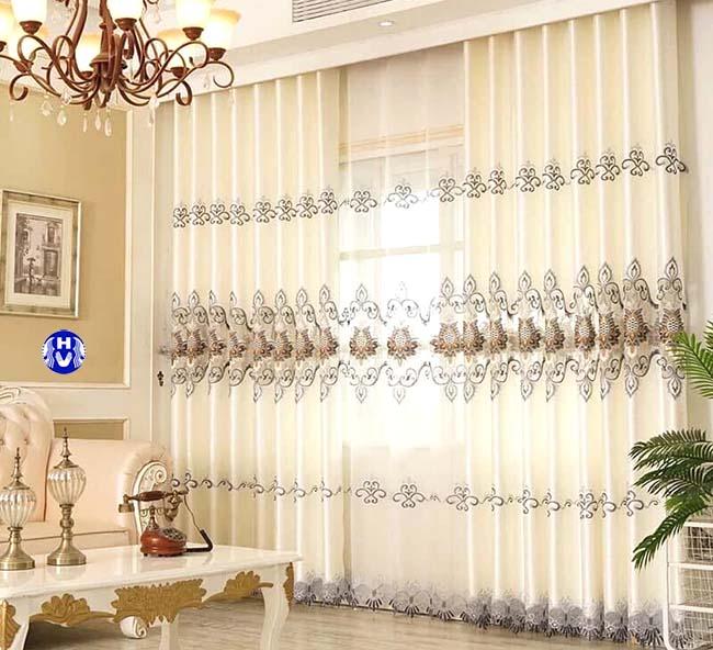 Phối kết hợp màu sắc giữa những mẫu rèm với nội thất tăng vẻ đẹp cho căn phòng