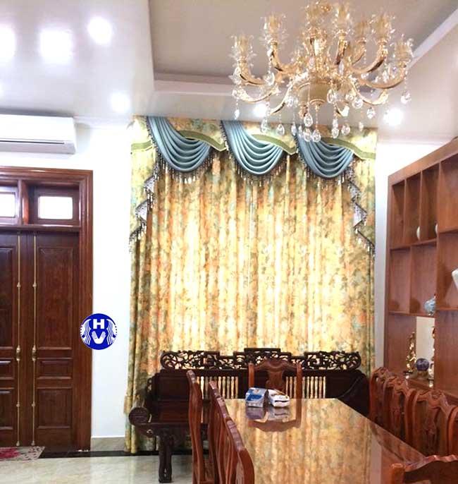 Thiết kế cầu kỳ bộ rèm cửa yếm vắt cao cấp cho phòng ăn được gia chủ đầu tư