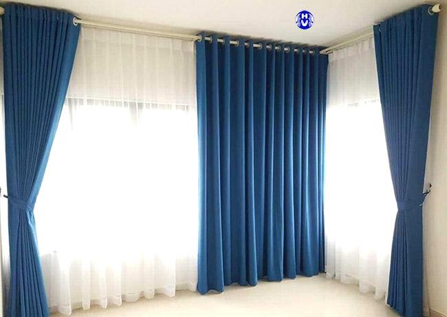Với mỗi hướng cửa sẽ chọn những mẫu thiết kế rèm cửa chuẩn theo phong thủy