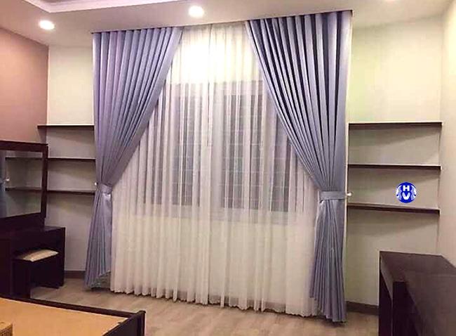 Các khung cửa có chiều cao hạn chế được những kiểu rèm cửa sổ đẹp tô điểm thêm