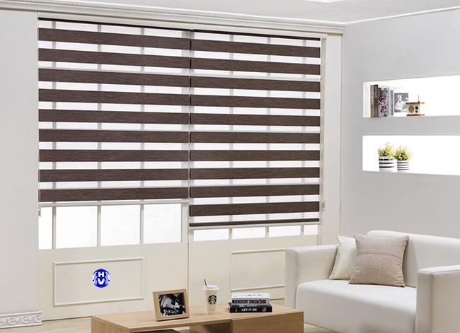 Các loại rèm cầu vồng là một lựa chọn cho gia chủ muốn tích kiệm không gian với cửa sổ nhỏ