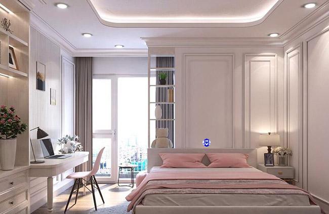 Không gian nội thất được thiết kế đơn giản ít họa tiết với rèm làm tăng chiều cao cửa sổ