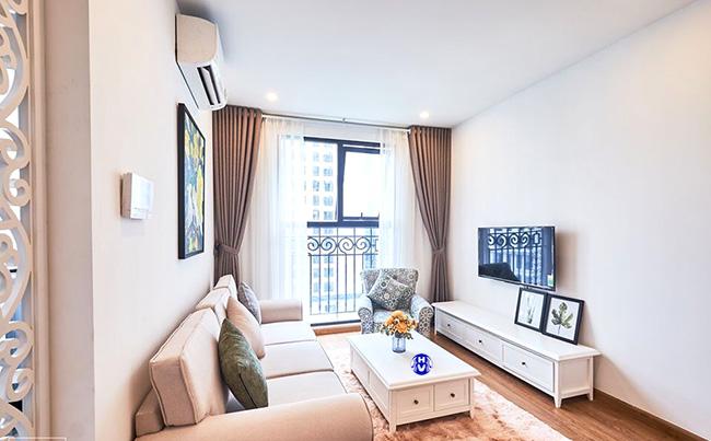 Mẫu rèm cửa hiện đại cho những cặp vợ chồng trẻ sống tại căn hộ chung cư