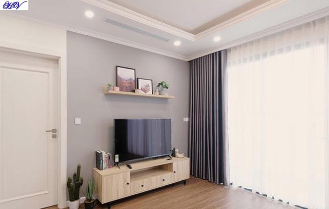 Mẫu rèm vải càng tô điểm cho căn phòng khách thêm phần hiện đại