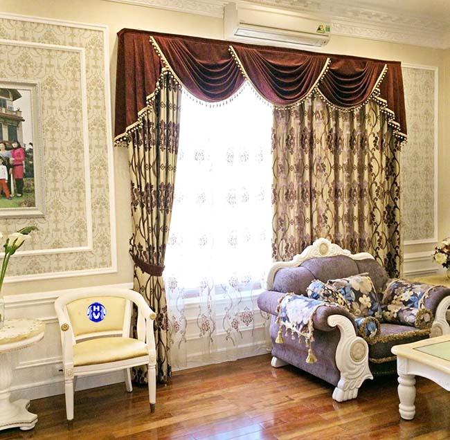 Nét tinh xảo cầu kỳ nâng tầm giá trị cho từng tấm rèm cửa vải gấm