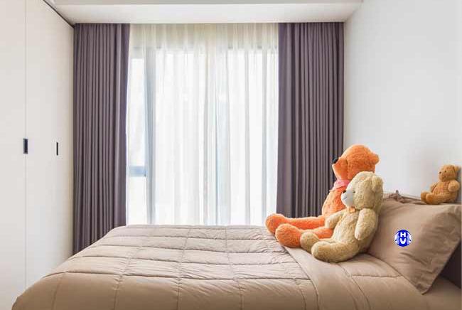 Trang trí phòng ngủ hiện đại cho bé với mẫu rèm cửa tươi sáng giúp không gian trở lên thoáng hơn