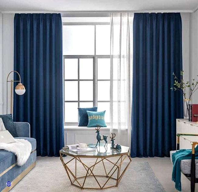 Bộ rèm vải cản nắng theo đúng tông hợp với sofa