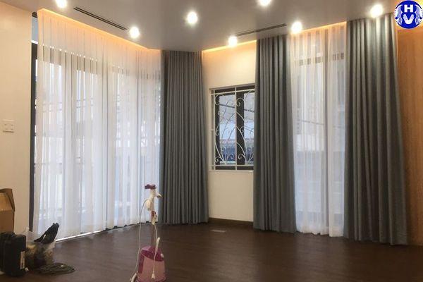 Hải Vân tư vấn tận tình đúng mẫu rèm cửa chống nắng giá rẻ