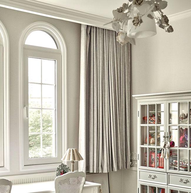 Mẫu rèm cửa màu trung tính được coi là sự lựa chọn an toàn cho mọi không gian hiện đại