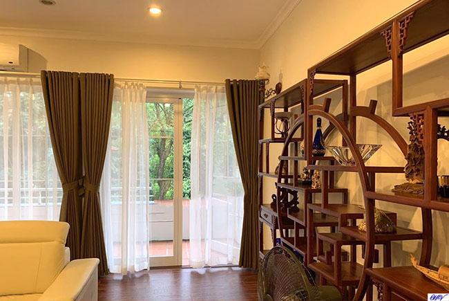 Mẫu rèm vải 2 lớp tạo tính linh hoạt cho căn phòng khách