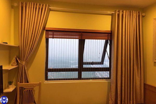 Mẫu rèm vải phòng ngủ hiện đại màu vàng ấm áp