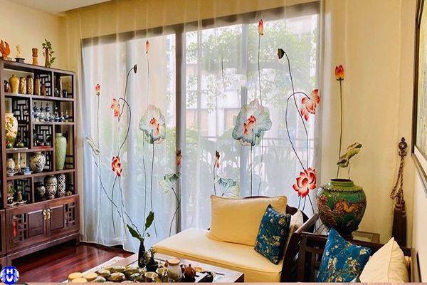 Rèm cửa sổ vải voan thêu tay kết hợp để trang trí